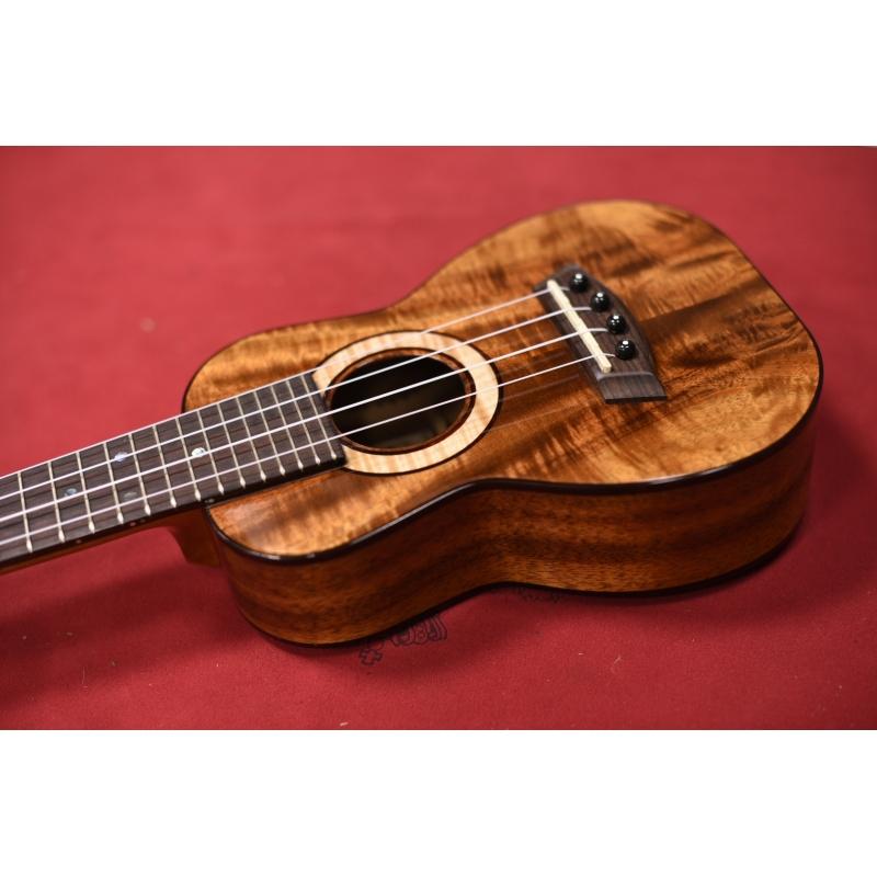 Ukulele Kanile'a Soprano K-3-S Usato